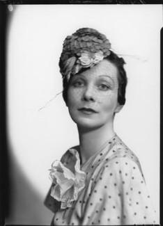 Doris Zinkeisen, by Howard Coster, 1936 - NPG x24299 - © National Portrait Gallery, London