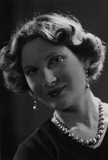 Margaret Ann d'Abreu (née Bowes-Lyon), by Howard Coster - NPG x3064