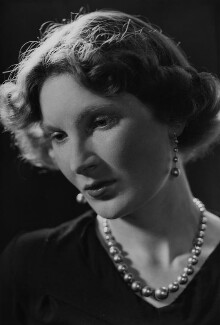 Margaret Ann d'Abreu (née Bowes-Lyon), by Howard Coster - NPG x3066