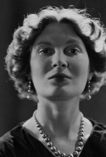 Margaret Ann d'Abreu (née Bowes-Lyon), by Howard Coster - NPG x3068