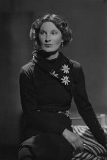 Margaret Ann d'Abreu (née Bowes-Lyon), by Howard Coster - NPG x3070