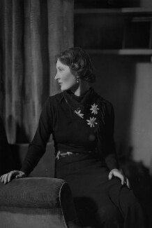 Margaret Ann d'Abreu (née Bowes-Lyon), by Howard Coster - NPG x3071