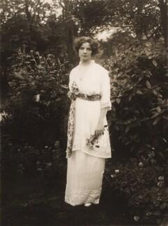 Maud Allan, by Bassano Ltd, 1913 - NPG x83002 - © National Portrait Gallery, London