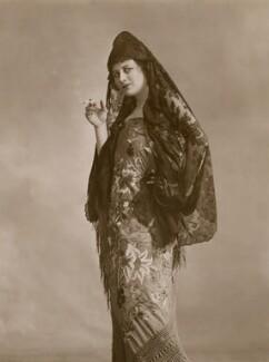 Malvina Longfellow as a Spanish Beauty, by Bassano Ltd - NPG x83154