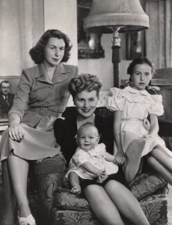 Helen Breen Arnold (née Moore) and family, by Bassano Ltd, late 1930s - NPG x84404 - © National Portrait Gallery, London