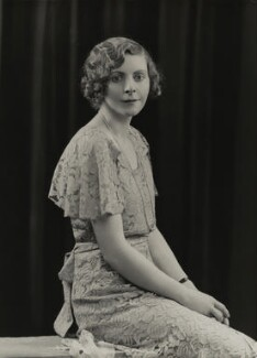 Eileen Tremayne, by Bassano Ltd, June 1934 - NPG x84918 - © National Portrait Gallery, London
