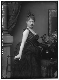 Marie Tempest, by Alexander Bassano, 1884 - NPG x96497 - © National Portrait Gallery, London