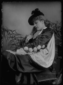 Violet Vanbrugh (Violet Augusta Mary Barnes), by Alexander Bassano - NPG x96499