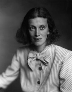 Dorothy Hodgkin, by Walter Stoneman, 29 June 1947 - NPG x26009 - © National Portrait Gallery, London