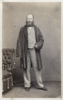 Edward Lear, by McLean, Melhuish & Haes, 27 October 1862 - NPG Ax17831 - © National Portrait Gallery, London