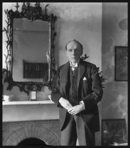 Edgar Algernon Robert Gascoyne-Cecil, 1st Viscount Cecil of Chelwood, by Bassano Ltd - NPG x18135