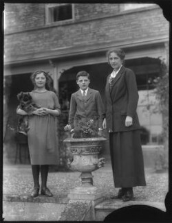 Phyllis Margaret Thorold (née Russell); Leopold Oliver Ampthill; Margaret (née Lygon), Lady Ampthill, by Bassano Ltd - NPG x75152