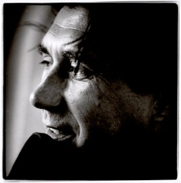 Bryan Ferry, by Andrew Catlin, 1990 - NPG x35986 - © Andrew Catlin / National Portrait Gallery, London