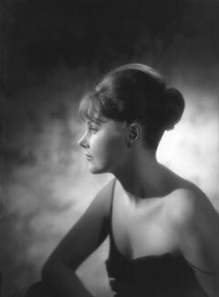 Patricia ('Bubbles') Evelyn Beverly Harmsworth (née Matthews), Viscountess Rothermere, by Baron Studios, 7 August 1962 - NPG x125387 - © National Portrait Gallery, London