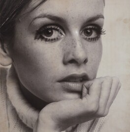 Twiggy, by Ronald Traeger, February 1967 - NPG  - © estate of Ronald Traeger