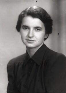 Rosalind Elsie Franklin, by Elliott & Fry, 11 June 1946 - NPG x76928 - © National Portrait Gallery, London