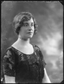 Lilah Assanti (née O'Brien), by Bassano Ltd, 30 January 1922 - NPG x37372 - © National Portrait Gallery, London