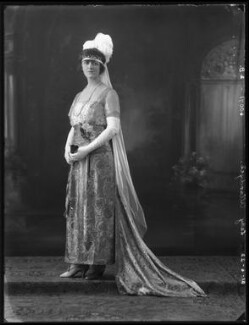 Elsie Elizabeth (née Stewart), Lady Allardyce, by Bassano Ltd, 21 June 1922 - NPG x121690 - © National Portrait Gallery, London