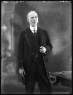 Edward Alfred Goulding, 1st Baron Wargrave, by Bassano Ltd - NPG x122380