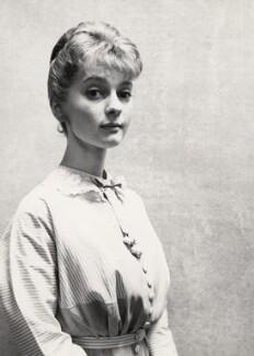 Perlita Neilson (Margaret Phillipa Sowden), by Cecil Beaton - NPG x14155