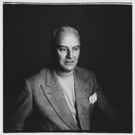 Manolo Blahnik, by Laurence Cendrowicz, 15 February 2002 - NPG x126111 - © Laurence Cendrowicz / National Portrait Gallery, London