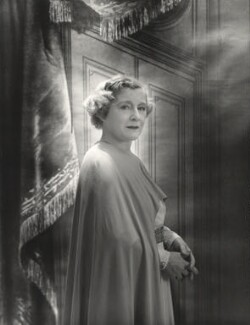 Maggie Teyte, by Cecil Beaton - NPG x14217