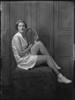 Eileen Vivian Bennett (later Mrs Fearnley-Whittingstall), by Bassano Ltd - NPG x34415