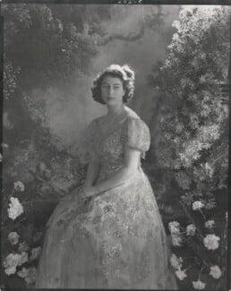 Queen Elizabeth II, by Cecil Beaton, 15 November 1945 - NPG x26023 - © V&A Images