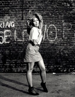 Tina Turner, by Terry O'Neill - NPG x126135
