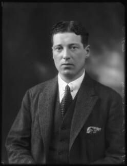 Gerald Chester Kearley, 2nd Viscount Devonport, by Bassano Ltd - NPG x122885