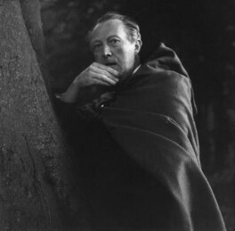 Sir Sacheverell Sitwell, 6th Bt, by Cecil Beaton, 1953 - NPG x14210 - © Cecil Beaton Studio Archive, Sotheby's London