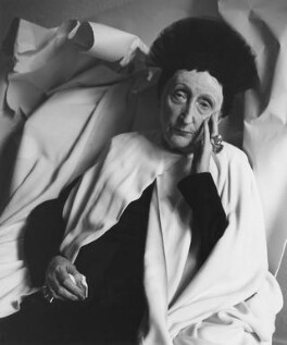 Edith Sitwell, by Cecil Beaton, 1962 - NPG x14209 - © Cecil Beaton Studio Archive, Sotheby's London