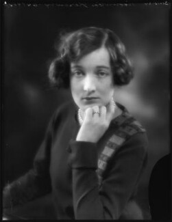 Edith Constance Annesley (née Rawlinson), Countess Annesley, by Bassano Ltd, 31 October 1924 - NPG x122998 - © National Portrait Gallery, London