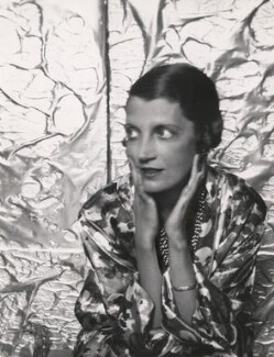 Daisy Fellowes, by Cecil Beaton, 1920s - NPG x40088 - © Cecil Beaton Studio Archive, Sotheby's London