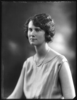 Hon. Ruth Evelyn Archer (née Pease), by Bassano Ltd, 7 May 1925 - NPG x123310 - © National Portrait Gallery, London