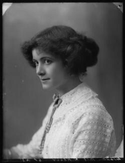 Renée Kelly, by Bassano Ltd, 2 August 1912 - NPG x101804 - © National Portrait Gallery, London