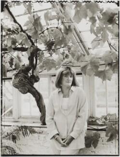 Jacqueline Ann Gear, by Tessa Traeger - NPG P1026(14)