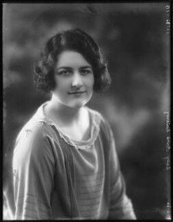 Lady (Cynthia) Anne Arnander (née Lindsay, later Lady Fummi), by Bassano Ltd, 17 February 1926 - NPG x123568 - © National Portrait Gallery, London