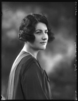 Lady (Cynthia) Anne Arnander (née Lindsay, later Lady Fummi), by Bassano Ltd - NPG x123569