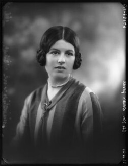 Doreen Maud Agnew (née Jessel), by Bassano Ltd, 21 April 1926 - NPG x123649 - © National Portrait Gallery, London