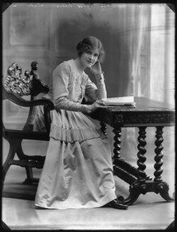 Renée Kelly, by Bassano Ltd, 22 June 1916 - NPG x32407 - © National Portrait Gallery, London