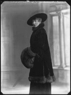 Lily Lena (Alice Mary Ann Mathilda Archer), by Bassano Ltd - NPG x33389