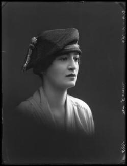 Myrta Vivienne Gamble (née Stubbs), by Bassano Ltd - NPG x33778