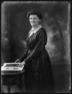 Mary Florence Gordon (née Clixby), Marchioness of Aberdeen and Temair, by Bassano Ltd, 1 February 1922 - NPG x80961 - © National Portrait Gallery, London