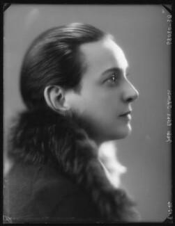 Edna Thomas, by Bassano Ltd - NPG x123743
