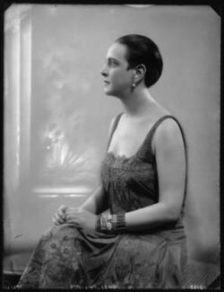 Edna Thomas, by Bassano Ltd - NPG x123746
