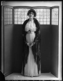 Valli Valli (née Valli Knust), by Bassano Ltd, 8 May 1912 - NPG x101939 - © National Portrait Gallery, London