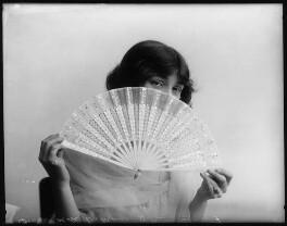 Dorothy Minto, by Bassano Ltd - NPG x102071