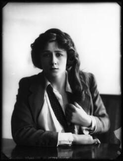 Valli Valli (née Valli Knust), by Bassano Ltd, 19 April 1911 - NPG x101927 - © National Portrait Gallery, London