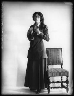 Valli Valli (née Valli Knust), by Bassano Ltd, 19 April 1911 - NPG x101929 - © National Portrait Gallery, London